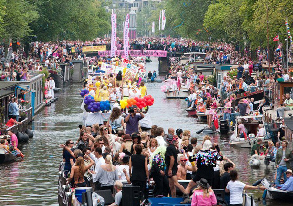 Gay-Pride-Amsterdam-travel