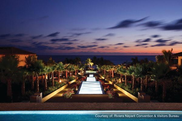 Hotel_St. Regis_CascadePool